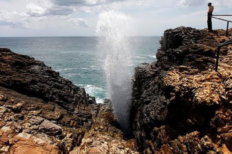 Hummanaya Blow hole in Dickwella